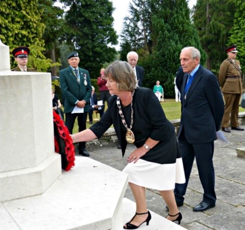 The Mayor wreath laying at a socially distanced VJ ceremony at the Garden of Remembrance