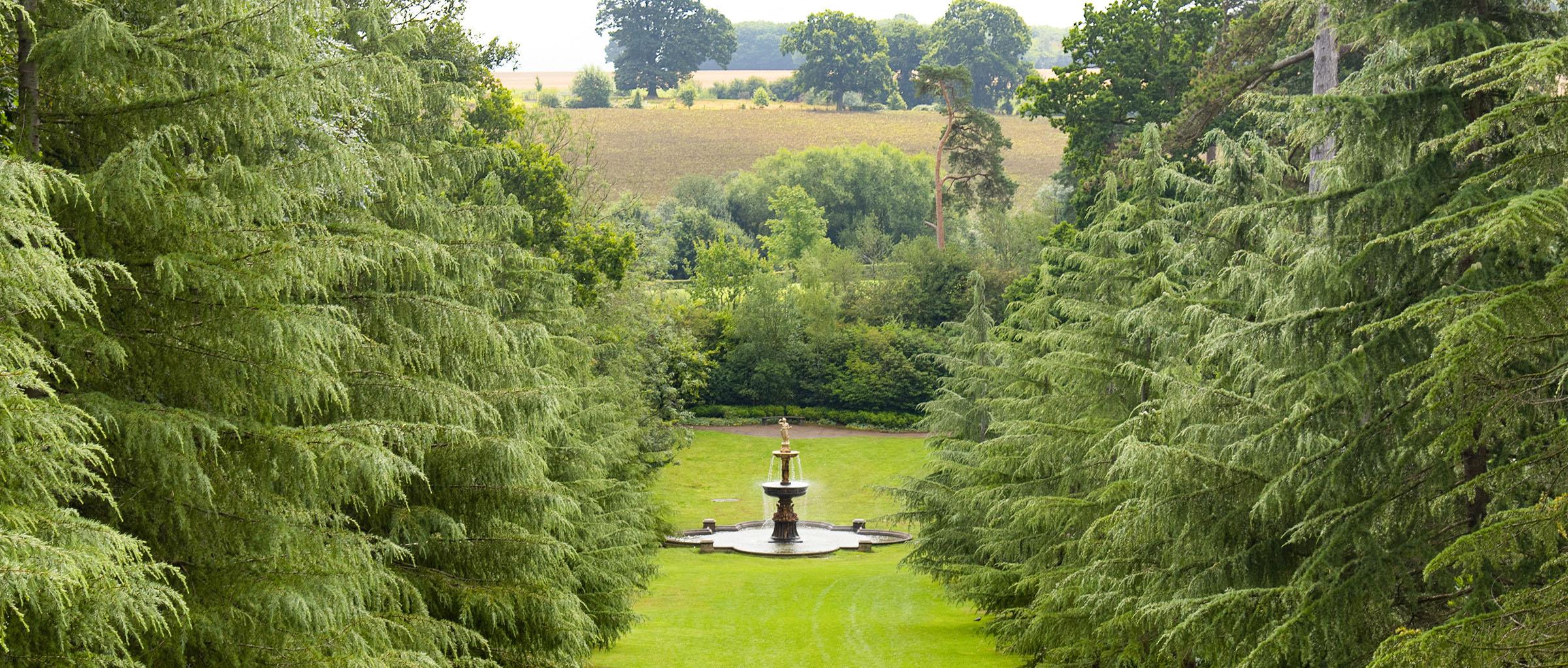 Fountain in Dunorlan Park